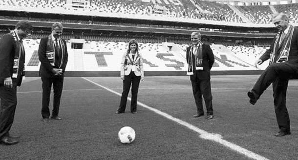 Yağmurlu Bir Günde Görmüştüm Seni: Siyaset ve Futbol
